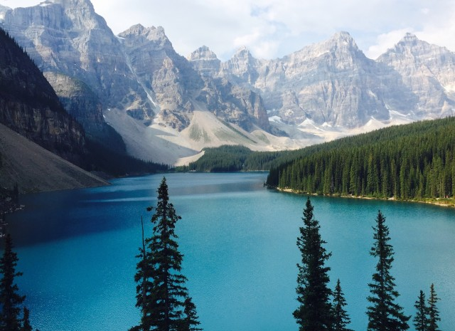 Beautiful view of Moraine Lake early in the morning