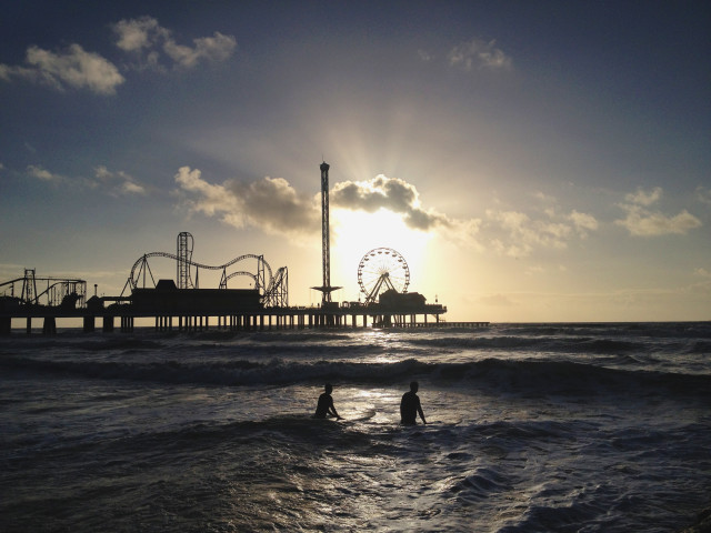 Sunrise, surfing, surfers, carnival, Pier, Pleasure pier, Galveston, Texas