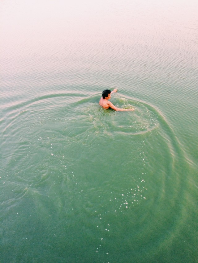 Free authentic ripples photo on Reshot