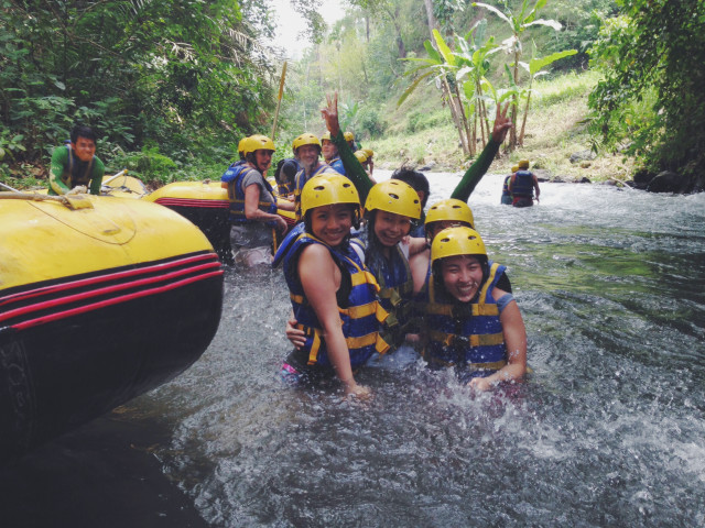 Free authentic rafting photo on Reshot
