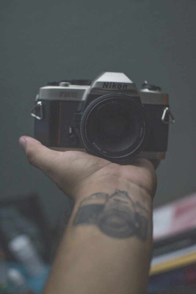 Free authentic film camera photo on Reshot