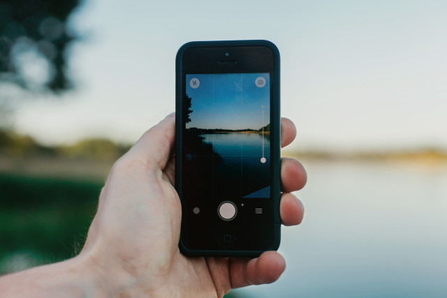 Free authentic mobile photography photo on Reshot