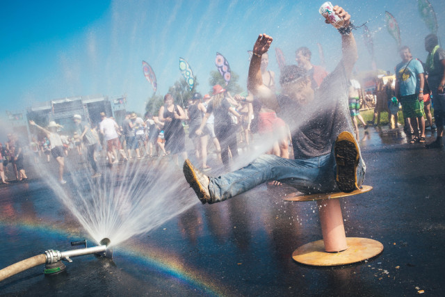 Keeping cool during the hot day at festival