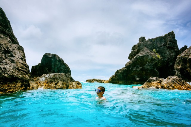 Free authentic swimming photo on Reshot