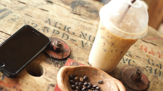 Free authentic coffee beans photo on Reshot
