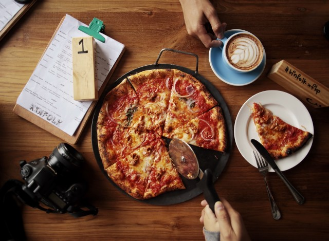 Dining pizza flatlay