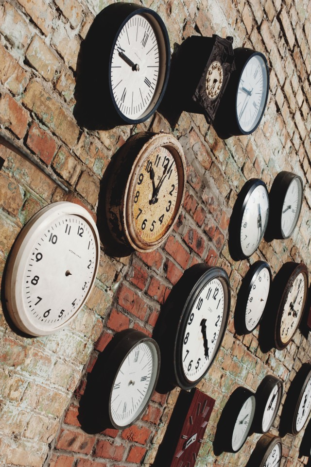 Free authentic clocks photo on Reshot