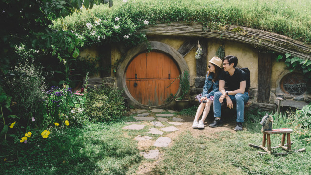 Couple at Hobbiton