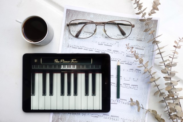 Free authentic piano keys photo on Reshot