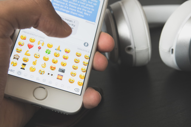 Writing a text with emojis