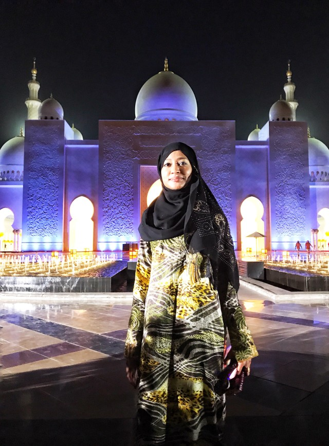 Yemeni Woman-Sheikh Zayed Grand Mosque