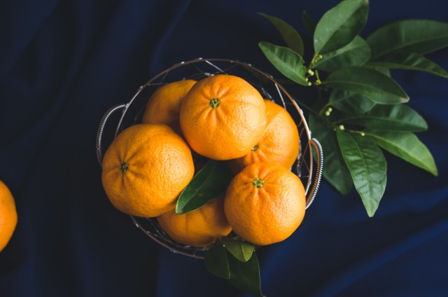 Free authentic orange photo on Reshot