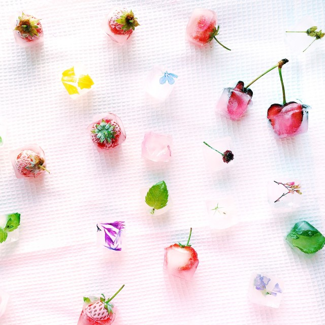 Ice with fruit and flowers