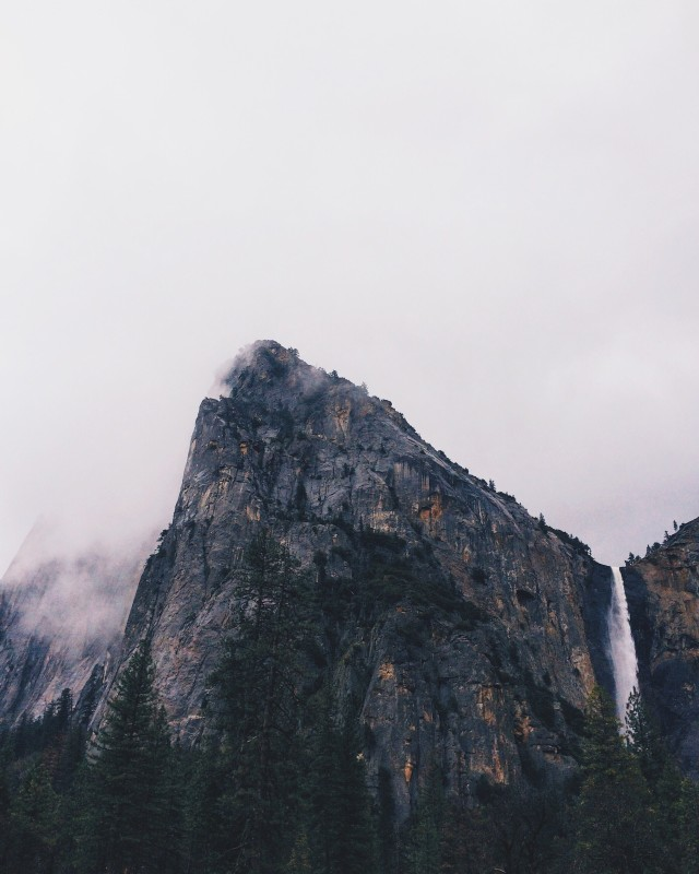 Too misty and too much in love