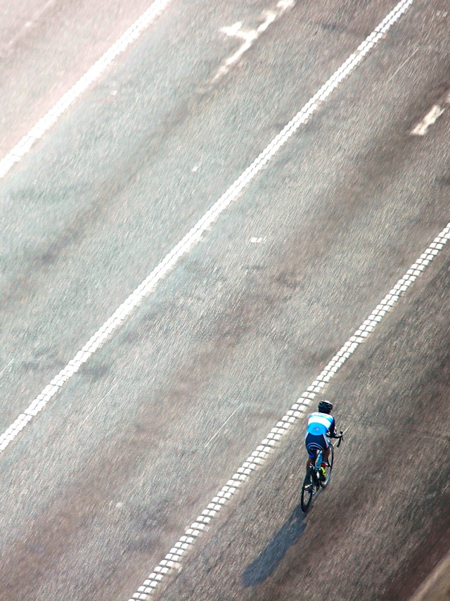 The lonely cyclist•Kuwait City