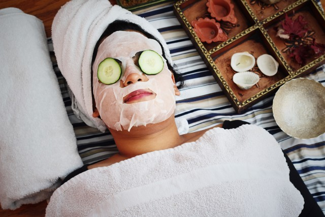 Face sheet mask and relaxation spa