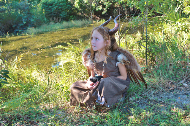 Young Maleficent Costume Stock Photo 2bc8cc14 76d4 4871