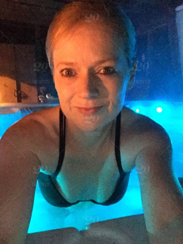 Sexy hot tub pictures