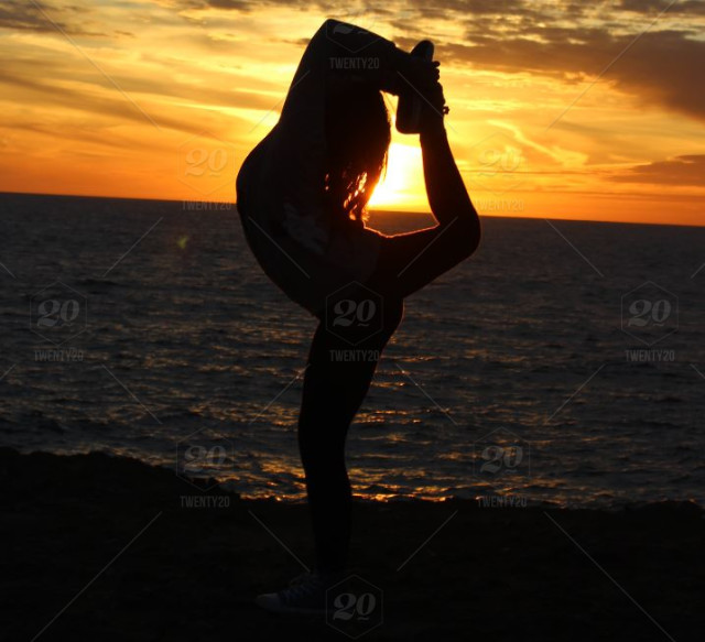 Shadow Silhouette Sunset Gymnastics Strong Women Fit Girl Gymnastics Against The Sunset Stock Photo 21dab809 Ea26 4861 9f9c 05f3d6b4d980 Depend silhouette active fit incontinence underwear for women feature a thin design for complete comfort. 21dab809 ea26 4861 9f9c 05f3d6b4d980
