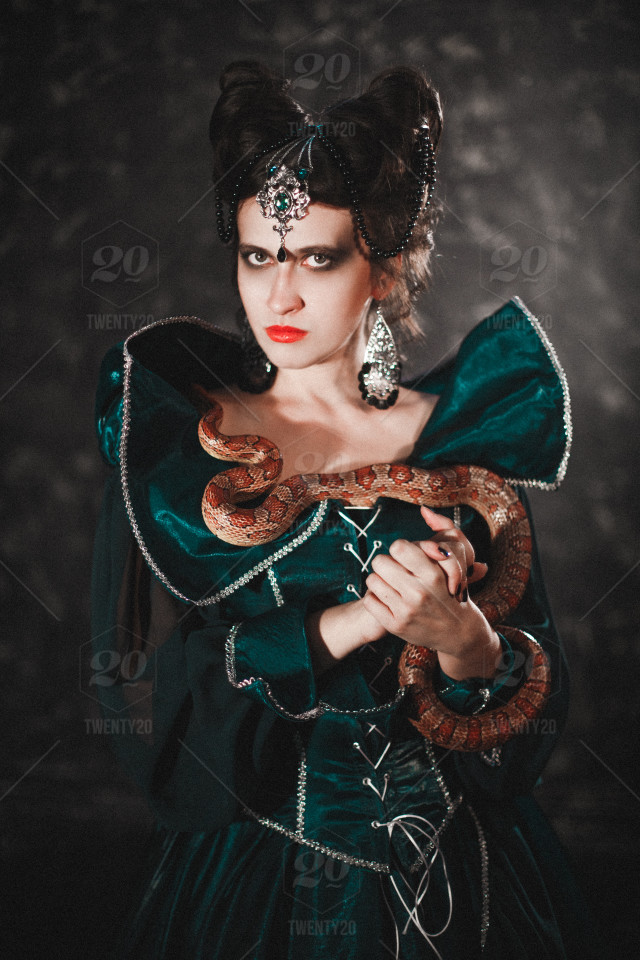 Halloween Candle Costume Fantasy Snake Skull Scary Hairstyle