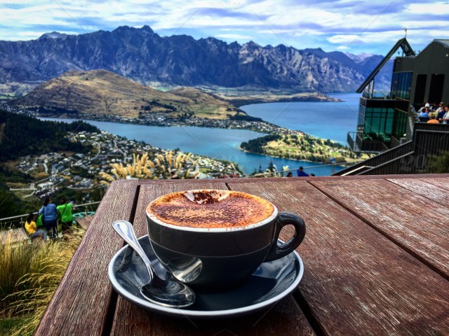 Perfect Place To Drink A Coffee Queenstown New Zealand Stock Photo 5a936a65 5257 42d1 8738 88a2f140c578