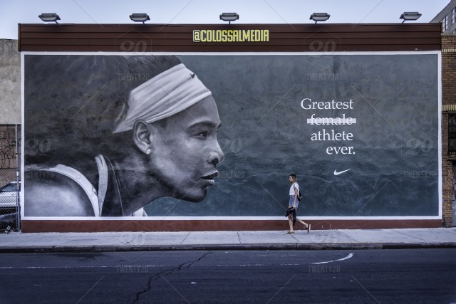 wall mural of serena williams on kent avenue in williamsburg  brooklyn  stock photo 942271ae