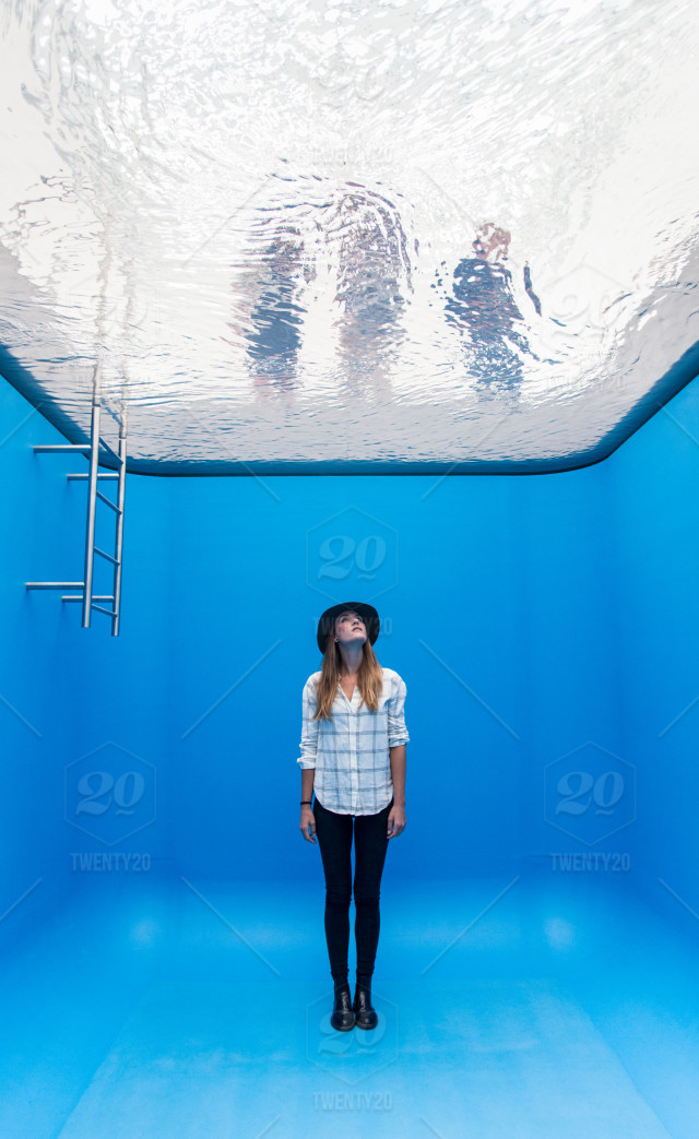 Art Poolunder Water Unreal Surreal Installation