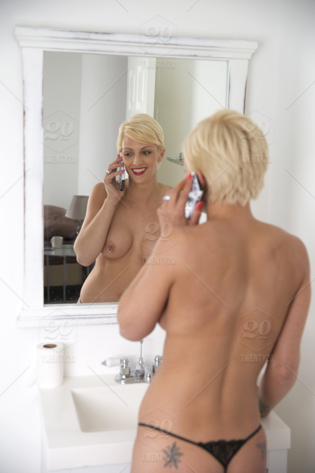 blonde naked cellphone pictures
