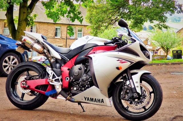 Beautiful Yamaha Motorbike    I'm not really interested in