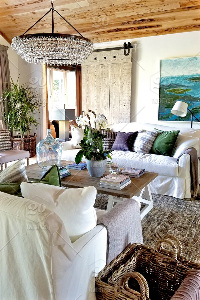 Beach living room cottage stock photo 3cb50b50-12bd-45e3 ...