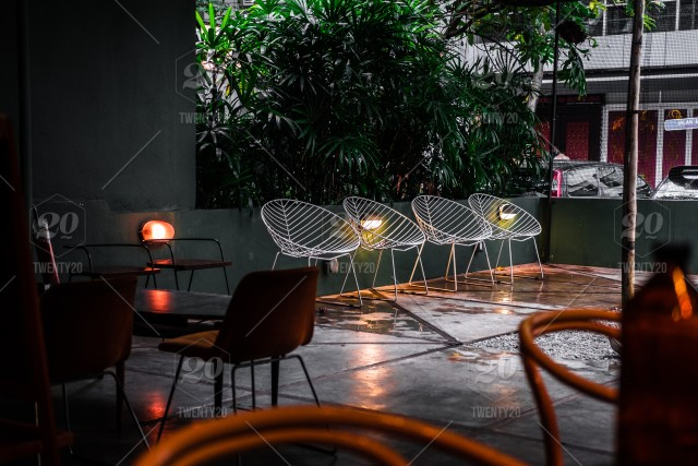 Wondrous Modern And Contemporary White Wire Net Chairs Outdoor Ibusinesslaw Wood Chair Design Ideas Ibusinesslaworg