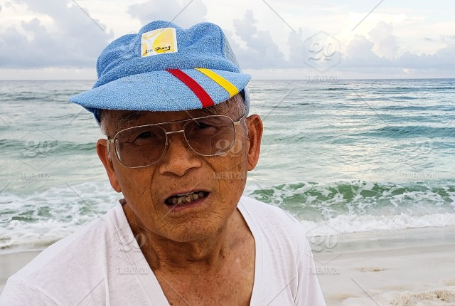 674308e875d The face of a Chinese beachbum friend who has a tall tale about ...
