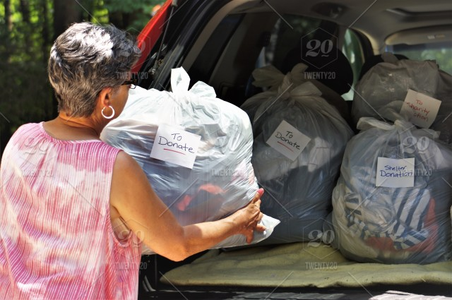 Stock Photo Car Many Person Woman Bags Loading Helping