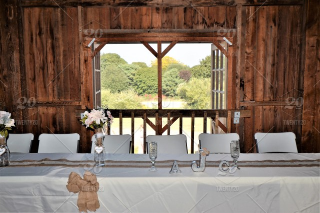 Head Table At A Country Barn Wedding Reception Stock Photo Fcec4543