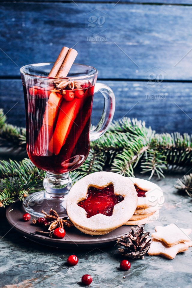Mulled Wine With Cowberry Cinnamon Apple And Anise Christmas