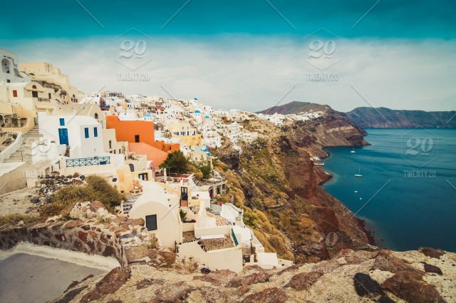 ⚡ Nominated ⚡ The beautiful white village of Oia