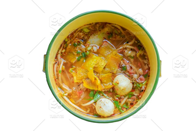 Spicy noodle soup with pork, put the Pinto On a white