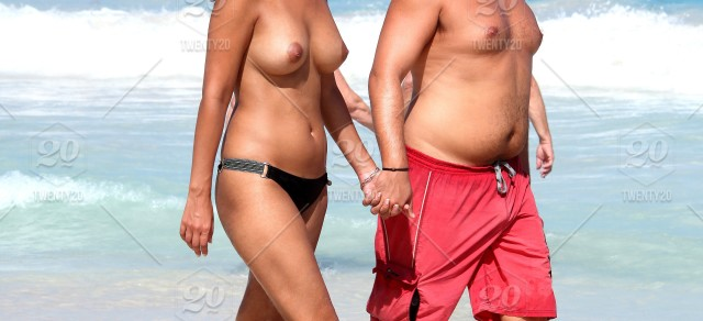 jennifer aniston naked with other chick