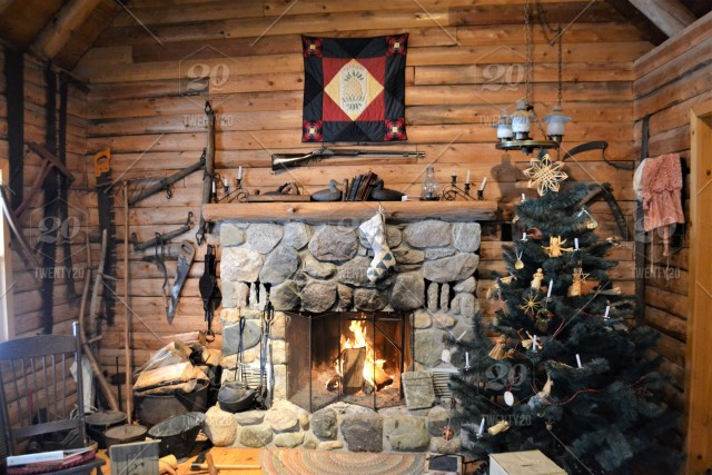 Pioneer Christmas In A Log Cabin Stock Photo 1a27473d De51 432f