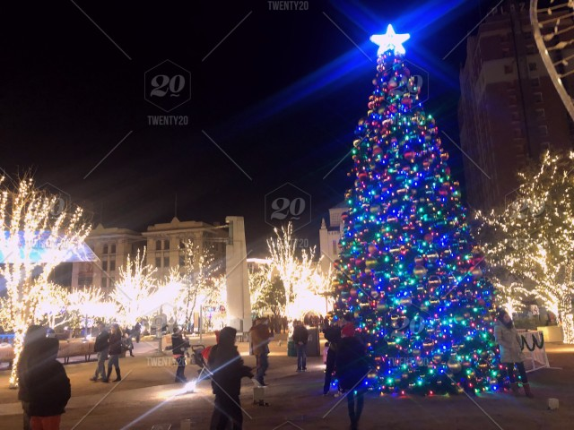 El Paso Christmas Lights.In El Paso There Isn T A Ball Drop Many People Came To The