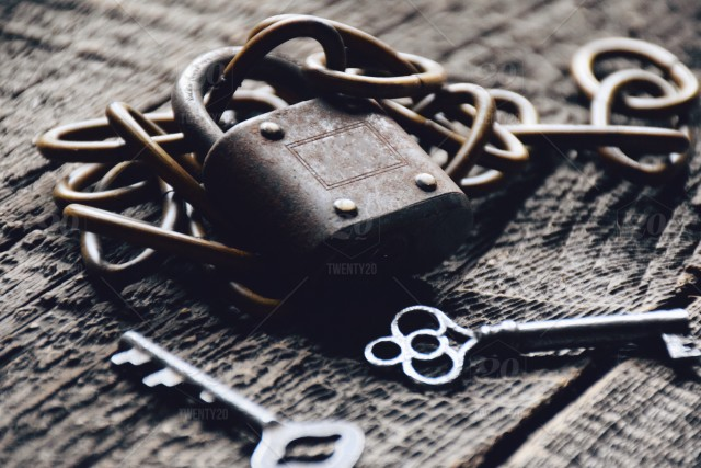 Old lock, keys and chain 💲 stock photo e92951ac-2a2d-4f2d-9fe6