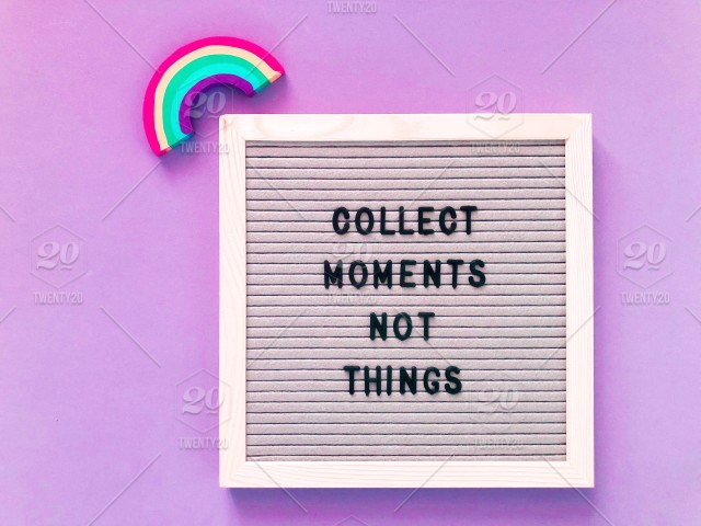 Message of the Moment: Inspirational Thoughts of the Moment for the Moment