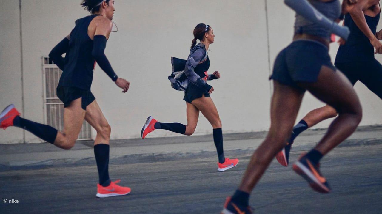 Gruppe von Läuferinnen in Laufsocken für Damen