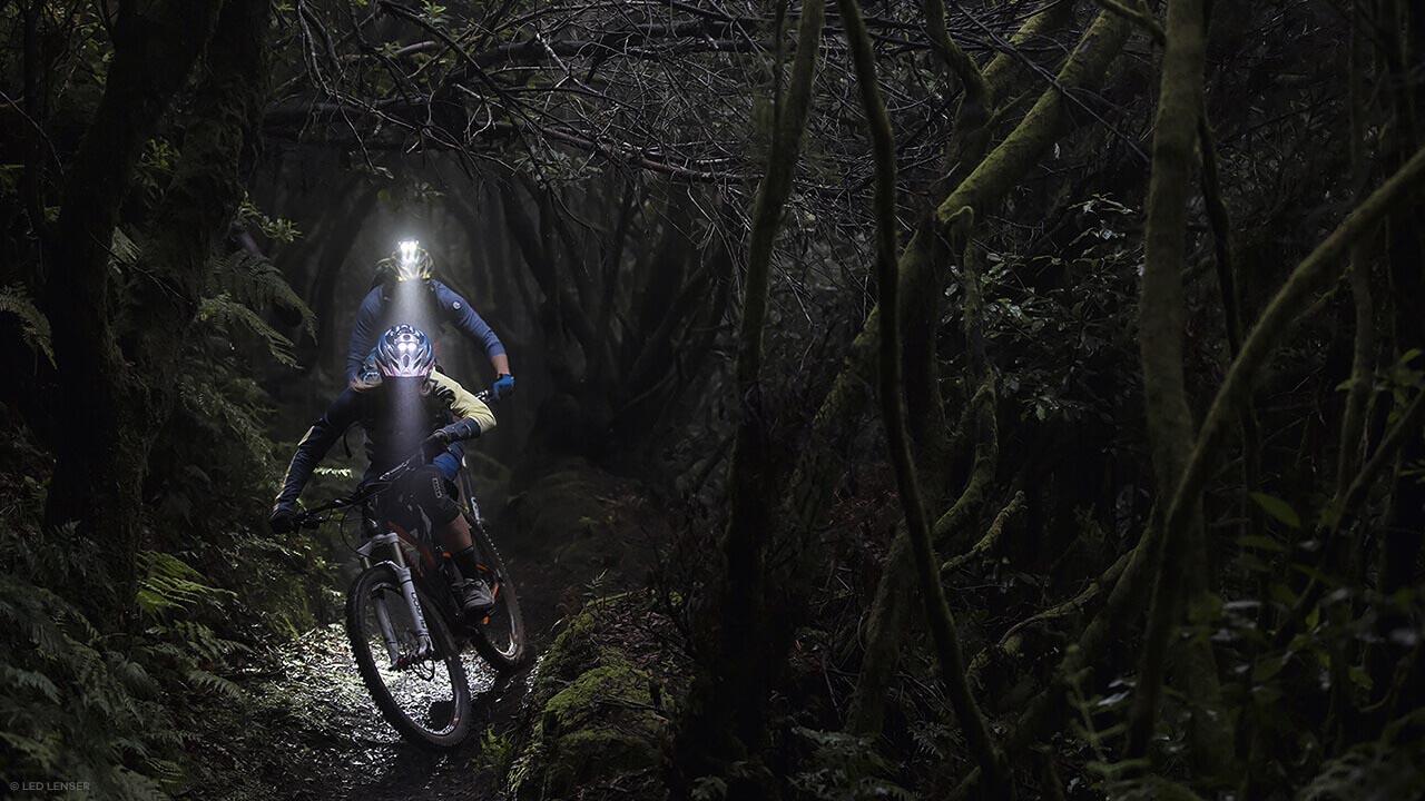 Mountainbiken mit LED Lenser Stirnlampen