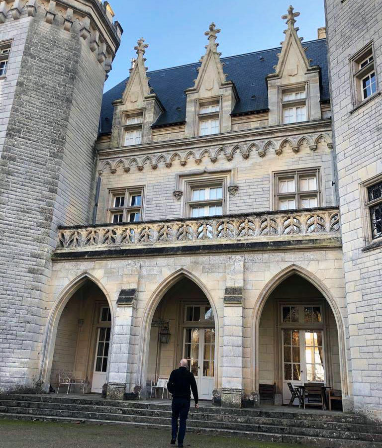 The impressive entrance to Château Pitray in Bordeaux
