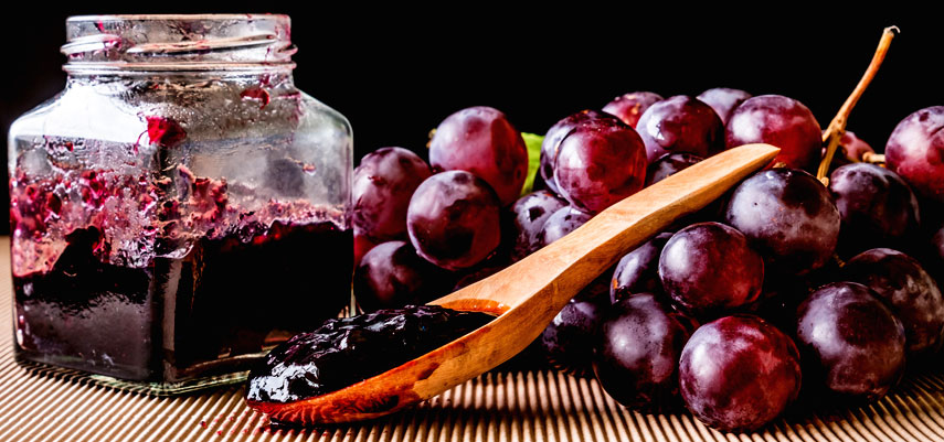 Black Grape Jelly With Liqueur Wine and Dark Spices