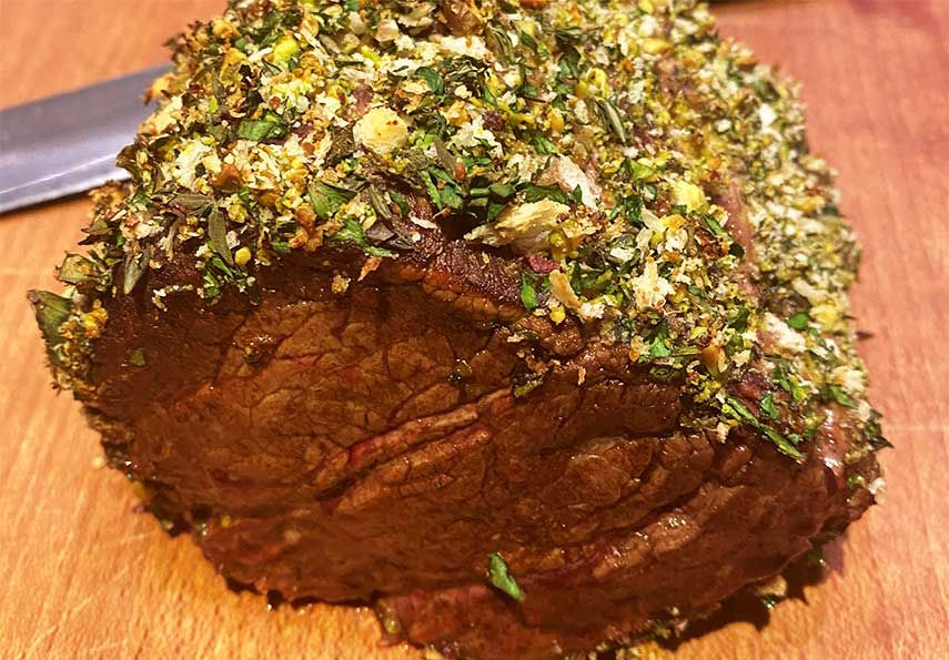 Summer fine dining: Fillet of beef with a herb crust