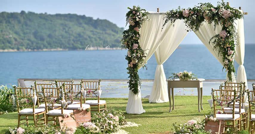 Let your setting inspire your choice of wedding wine