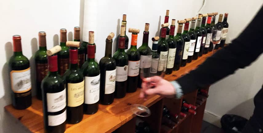 An evening tasting at van den Linden, central Bordeaux