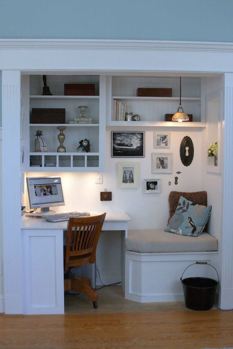 Elegant small home office - TypeEighty